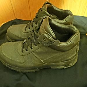 Nike ACG Men's All Black Boots Size 9.5